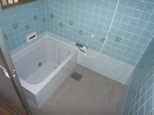 浴室のヒンヤリ間を軽減するサーモタイル