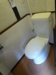 タイル張りの和式トイレを洋式に