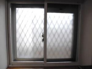 寝室の中窓の2重サッシ(インプラス)