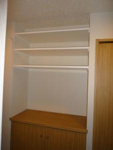 シューズボックス上部の棚