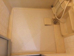 浴室床シート張り
