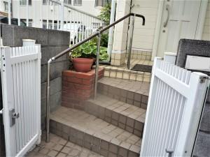 屋外階段の手すり